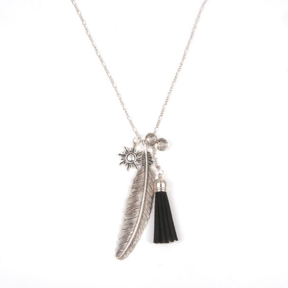 collar pluma