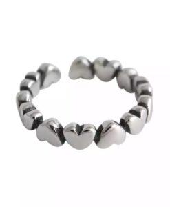 anillo pequenos corazones plata